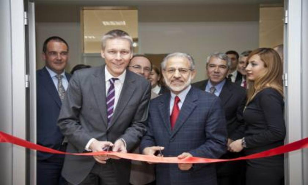 Smart Grid Global CEO Dr. Jan Mrosik_Rektor Yardimcisi Prof. Dr. Mehmet Sabri Celik (Soldansaga)_420x280